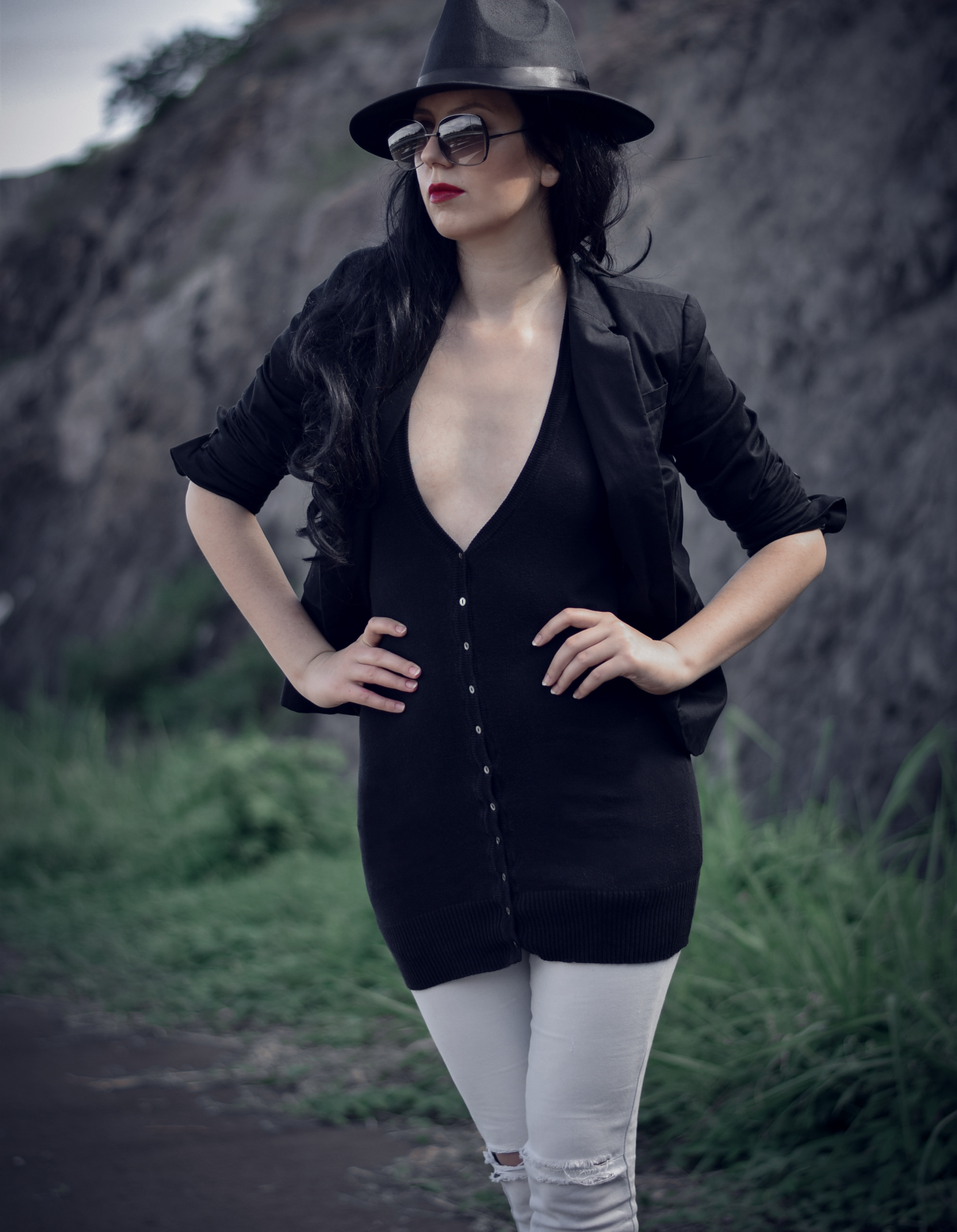 Rblack fedora hat long black cardigan deep v neck fashion blogger photography (2)