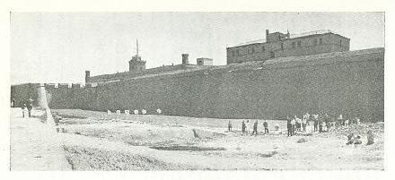 Tirant al Castell de Montjuïc - 06/06/1964 - clubarcmontjuic - Flickr