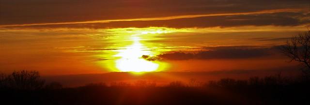 Sutton Surrey Sunset  17/02/17., Fujifilm FinePix AV130