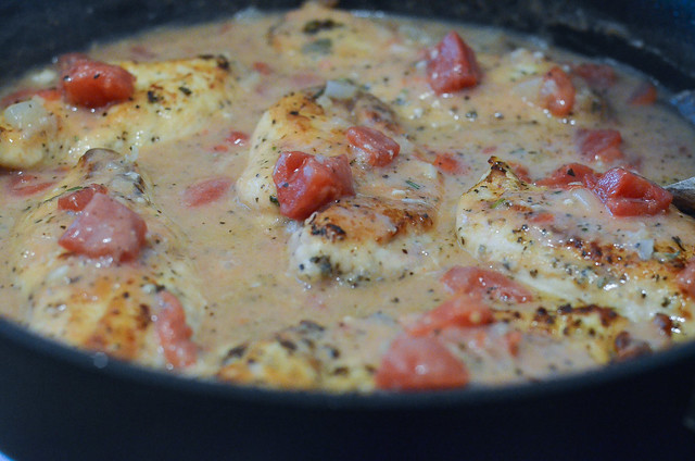 Skillet Herbed Chicken and Tomatoes