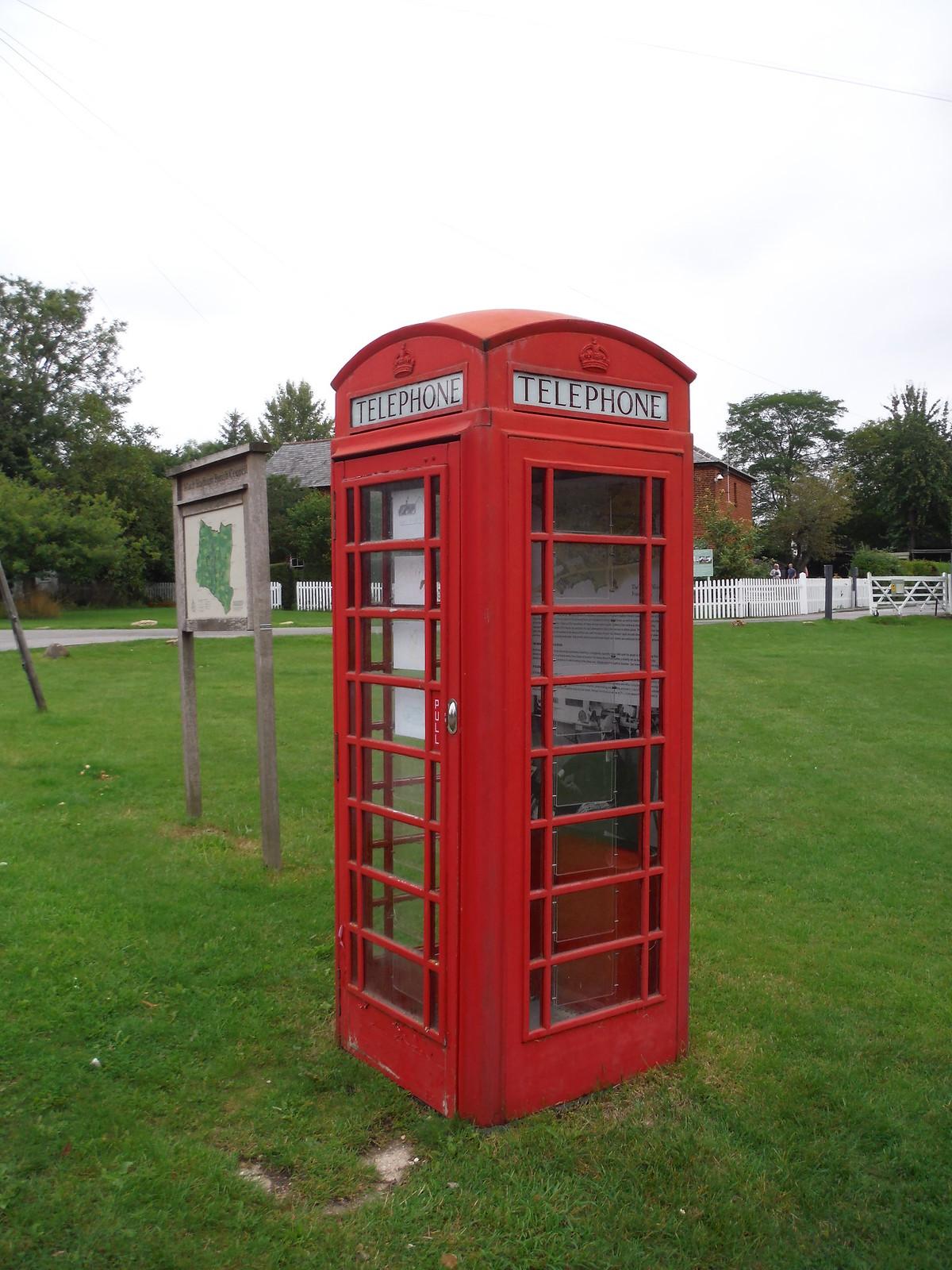 Red Cube Gallery SWC Walk 164 Roydon to Sawbridgeworth via Henry Moore Foundation