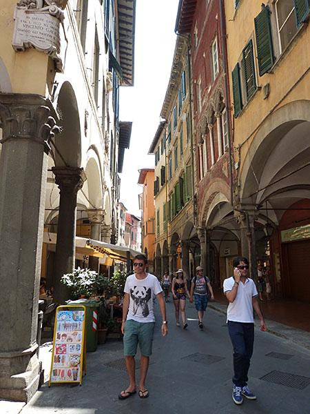 clem sur le Borgo Stretto