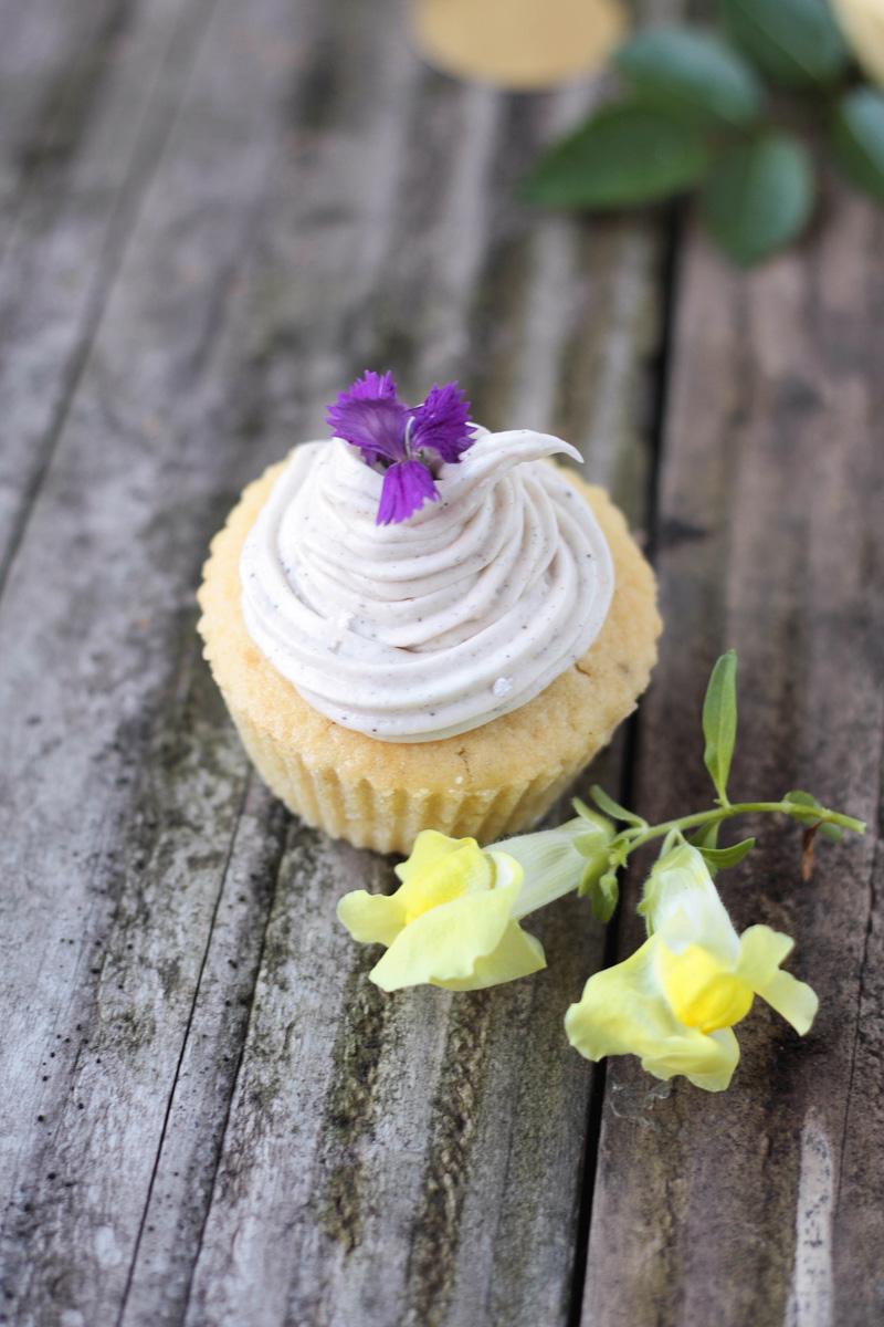 recette-cupcake-vanille-fleurs-comestibles-06