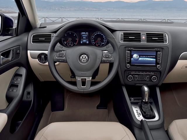 Салон Volkswagen Jetta (Typ 1B). 2010 – 2014 годы