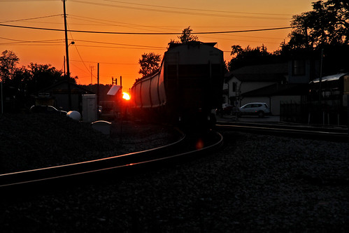 sunsets sunsetphotography bellevueohio railfaninginbellevueohio norfolksoutherninbellevueohio