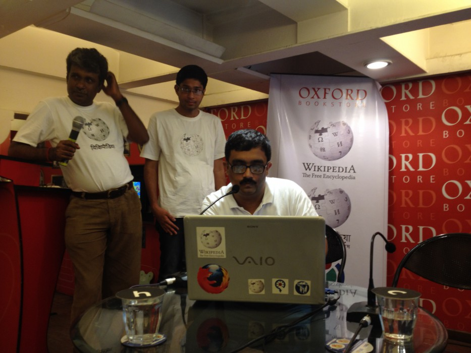 Sujay Chandra at Wikilearnopedia 2015 at Oxford Bookstore Kolkata, India