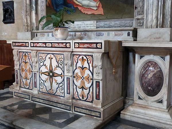 autel en marbre