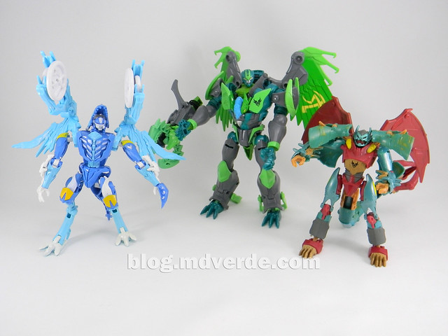 Transformers Ripclaw Deluxe - Transformers Prime Beast Hunters - modo robot vs Skystalker vs Grimwing