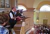 Melitta und Dietmar Giel während ihres Auftrittes auf dem Chor der Kirche