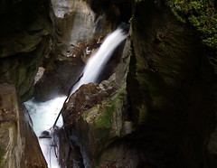 WeatherMaker posted a photo:	A tiny, deep gorge in Bellano