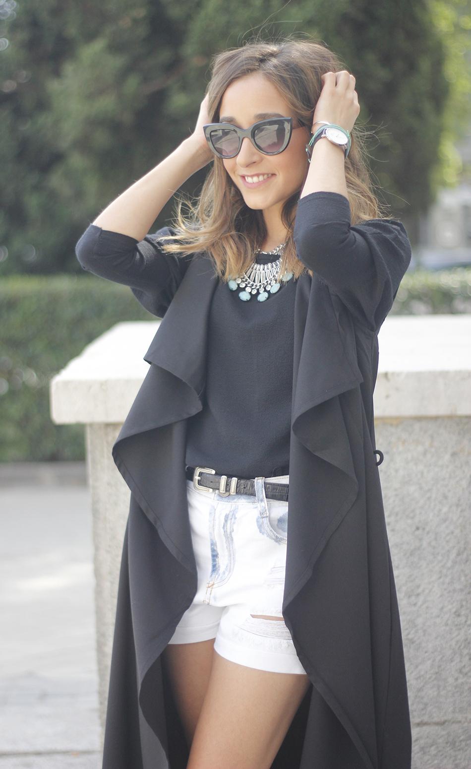 Black Vest Sheinside Shorts Outfit03