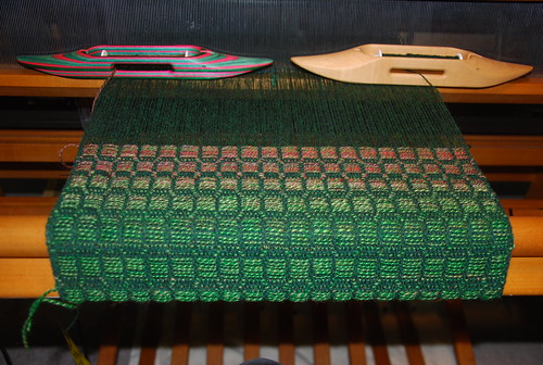 Weaving wool overshot table runner with handspun pattern weft on Schacht Mighty Wolf loom