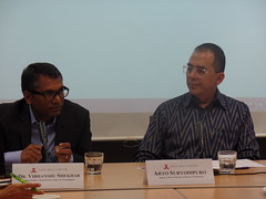 Dr. Vibhanshu Shekhar Visiting Fellow, East-West Center in Washington and Arto Suryodipuro (Discussant) Deputy Chief of Mission, Embassy of Indonesia