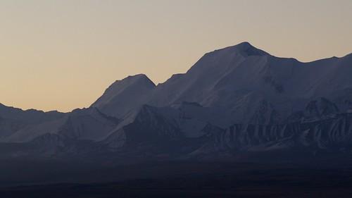 travel viaje snow sunrise landscape asia nieve paisaje snowcapped amanecer silkroad paysage centralasia kyrgyzstan range cordillera pamir asiacentral rutadelaseda kirguistan