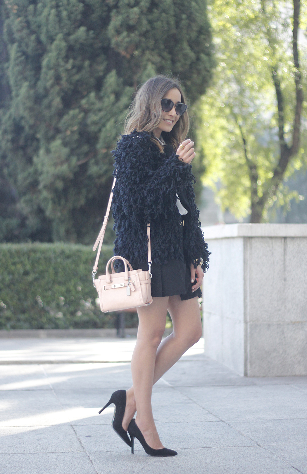 black jacket shirt with black bow coach pink bag heels outfit18