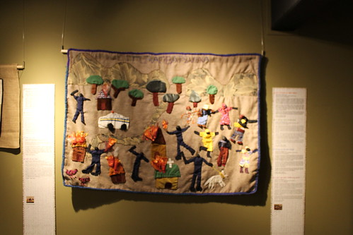 COSIENDO PAZ: Conflicto, Arpilleras, Memoria