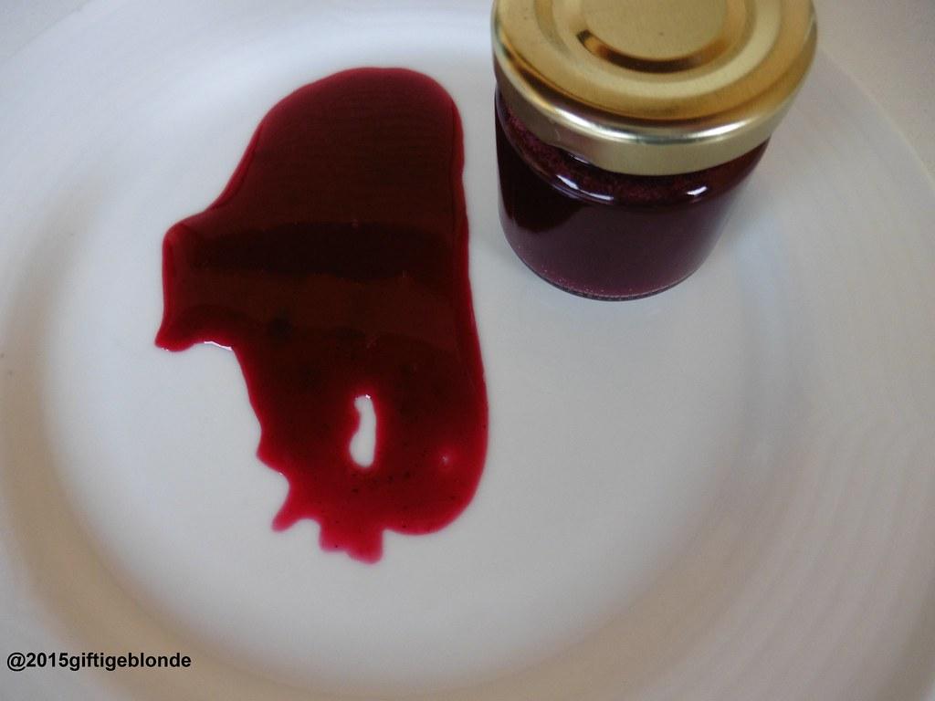 Schlehen-Hollerbeerensauce