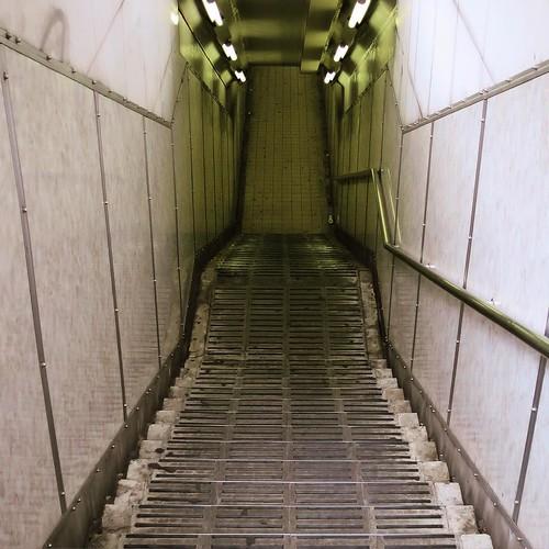 待ち受け作品にも使った、ここの階段。