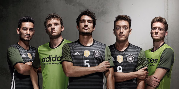 germany-euro-2016-away-kit-12