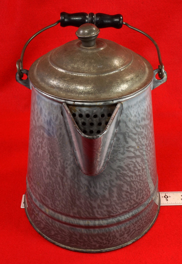 RD14935 Antique Large Gray Graniteware Coffee Pot with Lid & Black Wood Handle  DSC07526