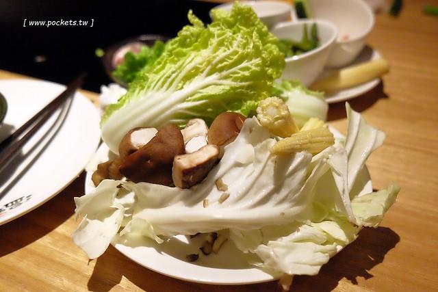 31950856290 a0d4da1d96 z - 溫野菜 しゃぶしゃぶ:來自日本東京的鍋物餐廳,中部第一間分店進駐麗寶outlet,火鍋壽喜燒吃到飽$409元起