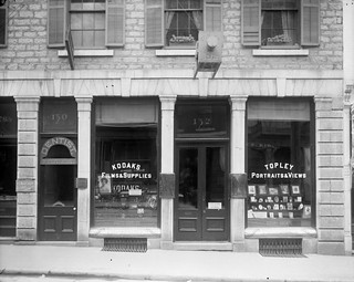 William James Topley's store at 132 Sparks St. / Le magasin de William James Topley au 132, rue Sparks