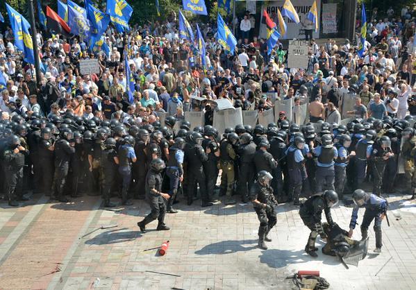 noi_violente_la_Kiev (16)
