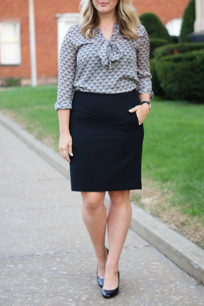 FACTORY CREPE PENCIL SKIRT