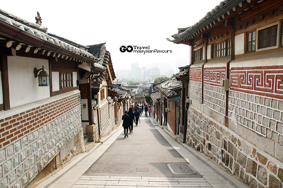 bukchon-hanok-village-8-views-anguk-station-seoul-korea