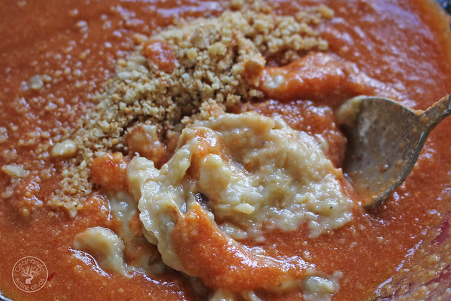 Solomillo en manteca con salsa romesco www.cocinandoentreolivos.com (24)