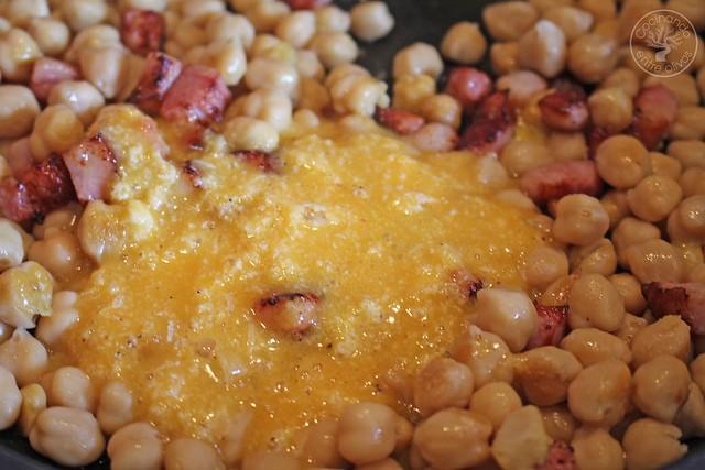 Garbanzos a la carbonara www.cocinandoentreolivos.com (14)