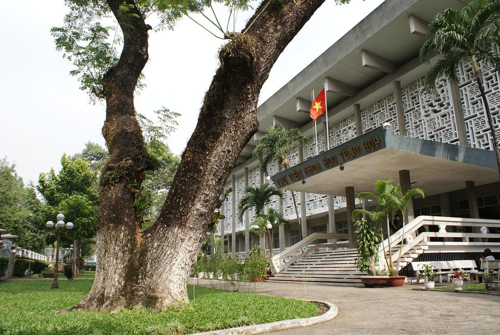 Université ou école supérieure de Saigon au Vietnam.