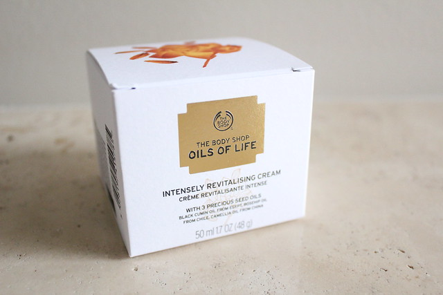 The Body Shop Oils of Life Intensely Revitalizing Cream review