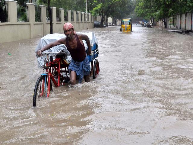 बाढ़ से बेहाल चेन्नई