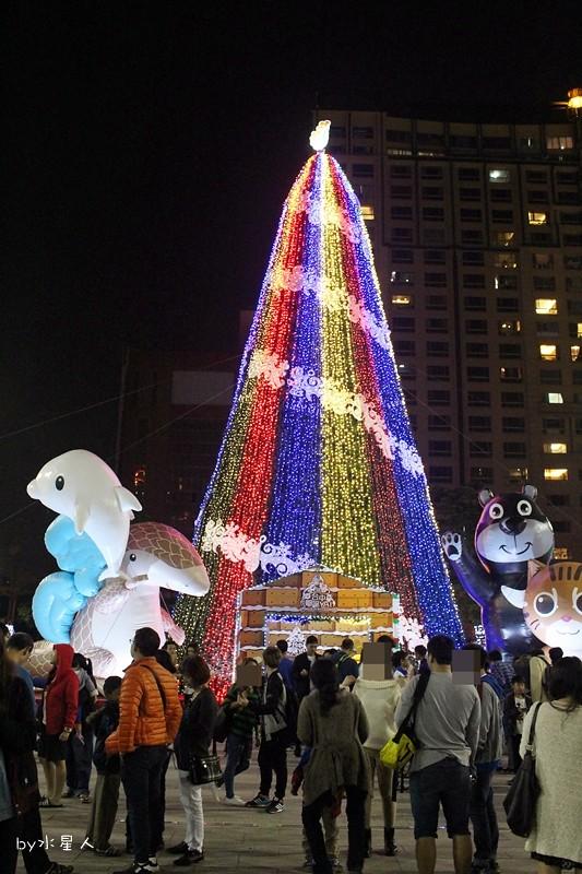 30779816113 91226bded3 b - 2016台中耶誕YA!耶誕嘉年華,市政廣場耶誕節系列活動,讓你白天與夜景一次看個夠