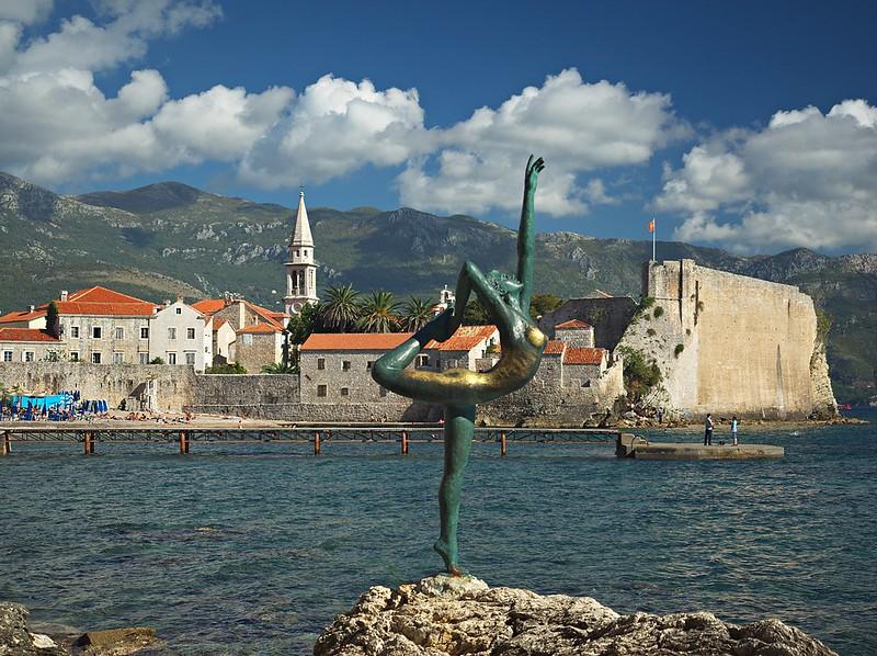 Dancing Girl Statue, Budva