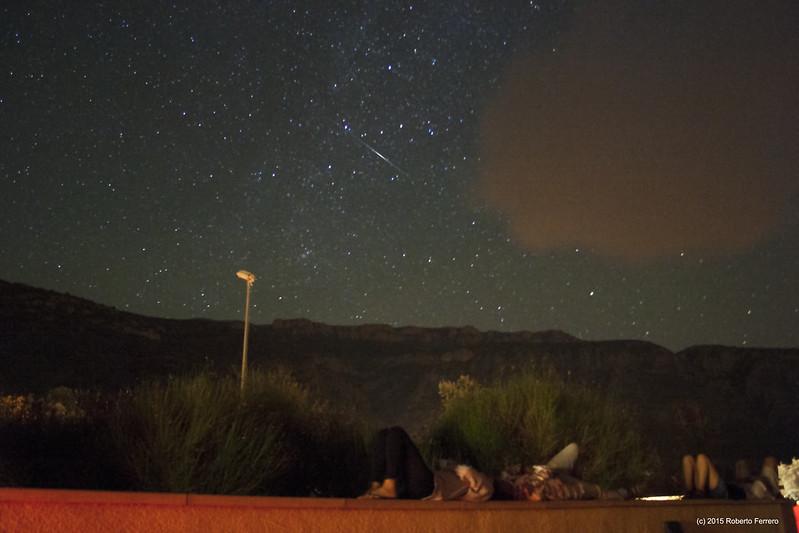 Observando perseidas en el COU, la estela pertenece a un paso de la ISS.