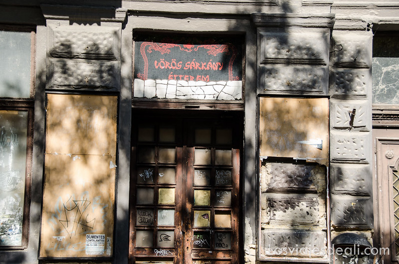 calles de Budapest portal antiguo