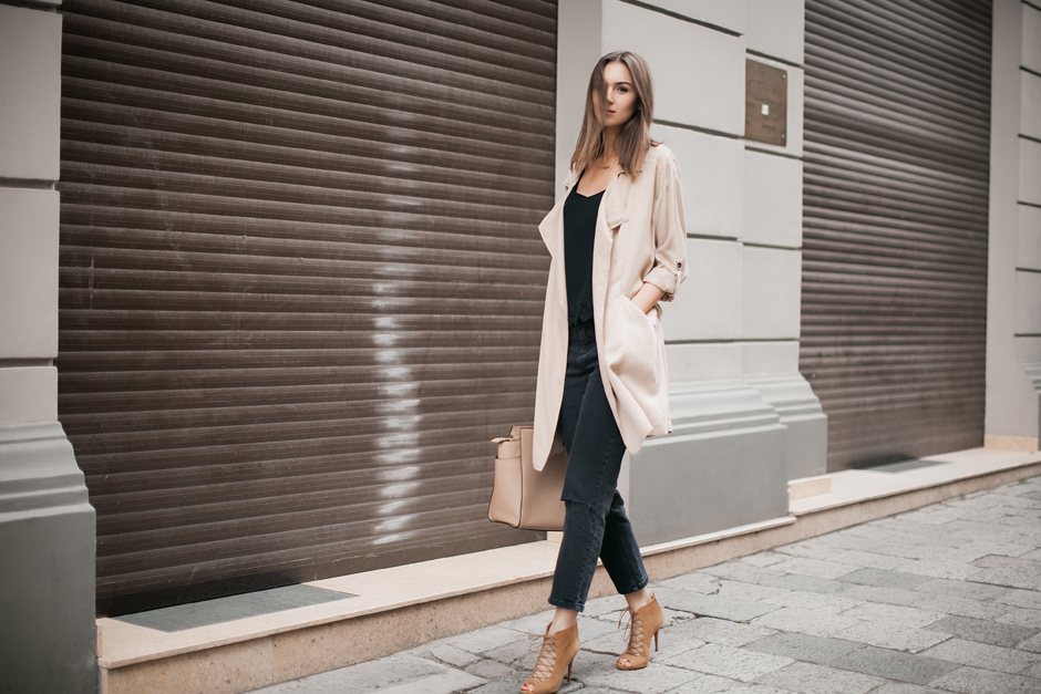 beige-waterfall-trench-outfit-ideas