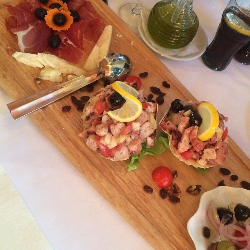 hladna plata ❤️ #vorspeise #vorspeisenplatte #restaurant #amico #hrvatska #kroatien #privlaka #foodbloggerontour #travelblogger #austrianblogger #unterwegs #ontour #aufreisen #hladnaplata