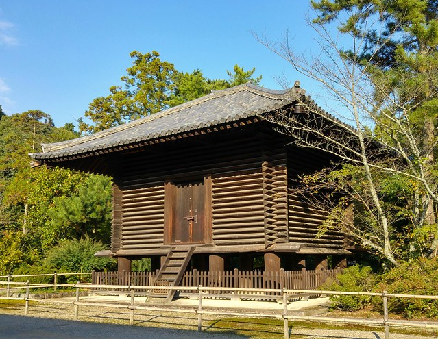 This could almost be an old Swedish food storehouse, however it is a Kyozo (storehouse of sutras) at Toshodaiji Temple