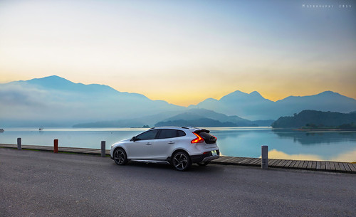 longexposure travel mountains cars nature sunrise wagon landscape volvo nikon scenery diesel taiwan 台灣 yuchi 自然 風景 d2 hatchback 日月潭 sunmoonlake nantou 南投縣 日出 2015 v40 碼頭 魚池鄉 高動態範圍 長堤 旅行車 長曝 掀背車 五門 出水口 afs2470mm28g 水社村 d800e v40crosscountry v40cc madebysweden 國際富豪 愛車寫真 瑞典國寶