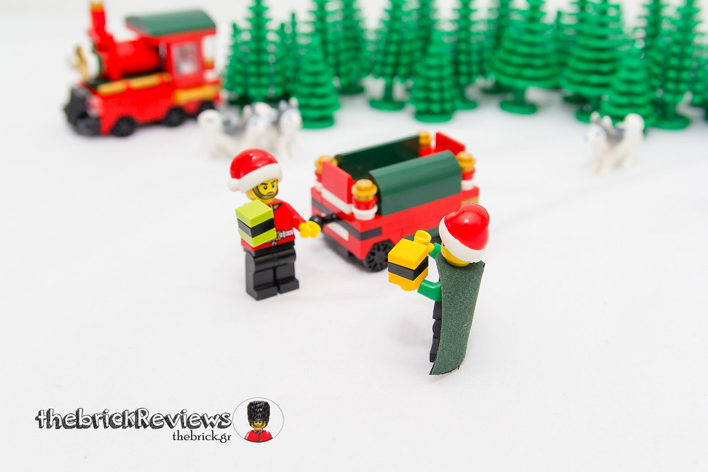 ThebrickReview: Christmas Train - 40138 - Limited Edition 2015 23350901229_18f3884491_b