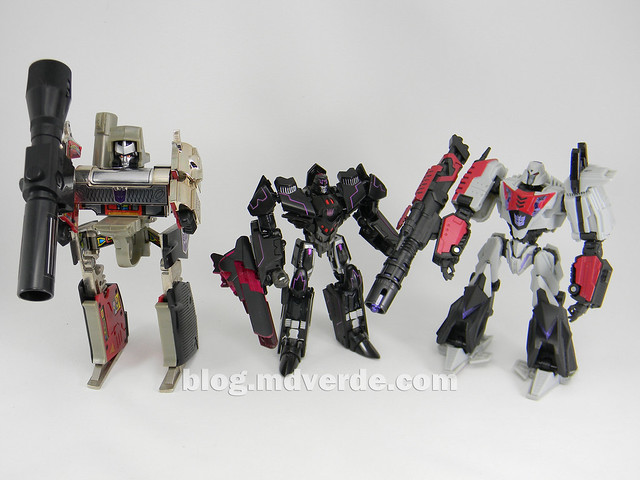 Transformers Megatronus Deluxe - Generations - modo robot vs War for Cybertron vs G1