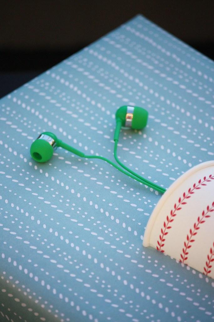 Kuulokkeista tehty taimi