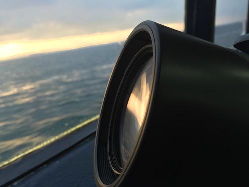 レンズと海