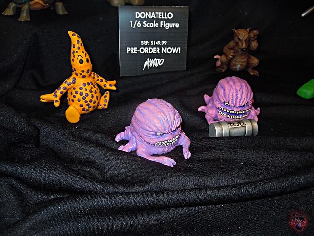 MondoCon 2015 :: Toy Display; TMNT 1/6 figures - LITTLE ORPHAN ALIEN & UTROMS