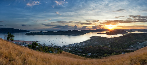 coron philippines palawan island holidays urlaub ferien mttapyas mount tapyas stairs hill panoramic view sunset sundowner nikon d7200 sonnenuntergang philippinen stern sonnenstern sunburst cloudy evening abend wolken asia asien summit