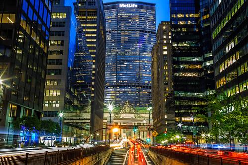 metlife architecture sunset grandcentralterminal nyc newyorkcity newyork lights longexposure canonef24105mmf4lisusm canon canoneos5dmarkiii bigapple usa travel tourism midtown streetphotography