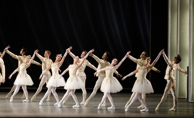 Artists of The Royal Ballet in Jewels, The Royal Ballet ©ROH/Tristram Kenton, 2011